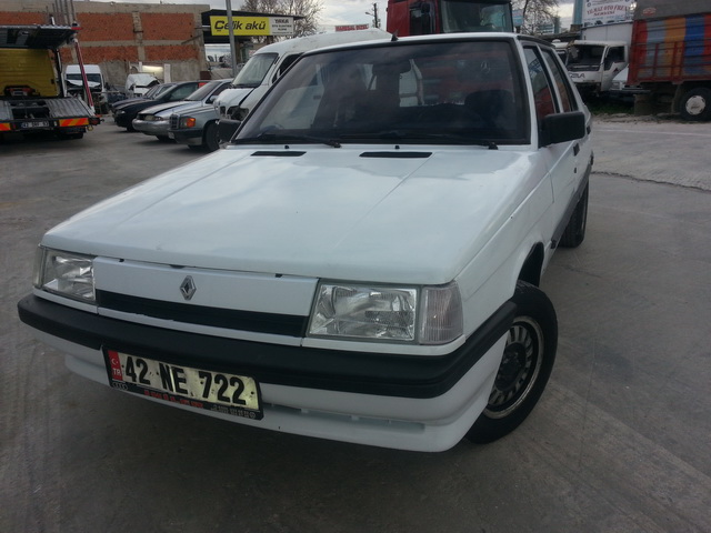 RENAULT R9 Fairway